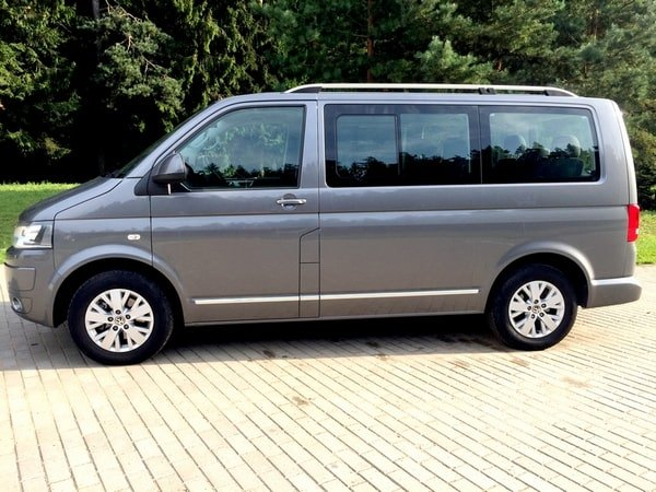 Volkswagen Multivan V AT